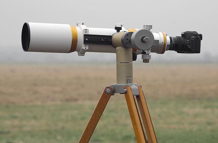 Wie bekomme ich meine kamera an mein teleskop astrofotografie